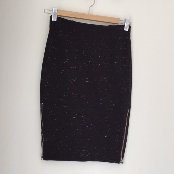 Wilfred Dresses & Skirts - 🍁2 for $50🍁Aritzia Wilfred pencil skirt w/zips